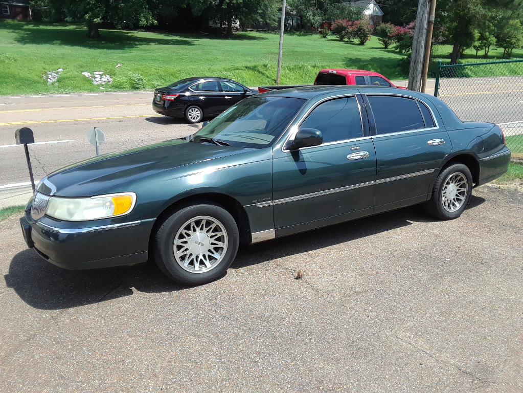 Used Lincoln Town Car For Sale In Memphis Tn 10 Cars From 2 900
